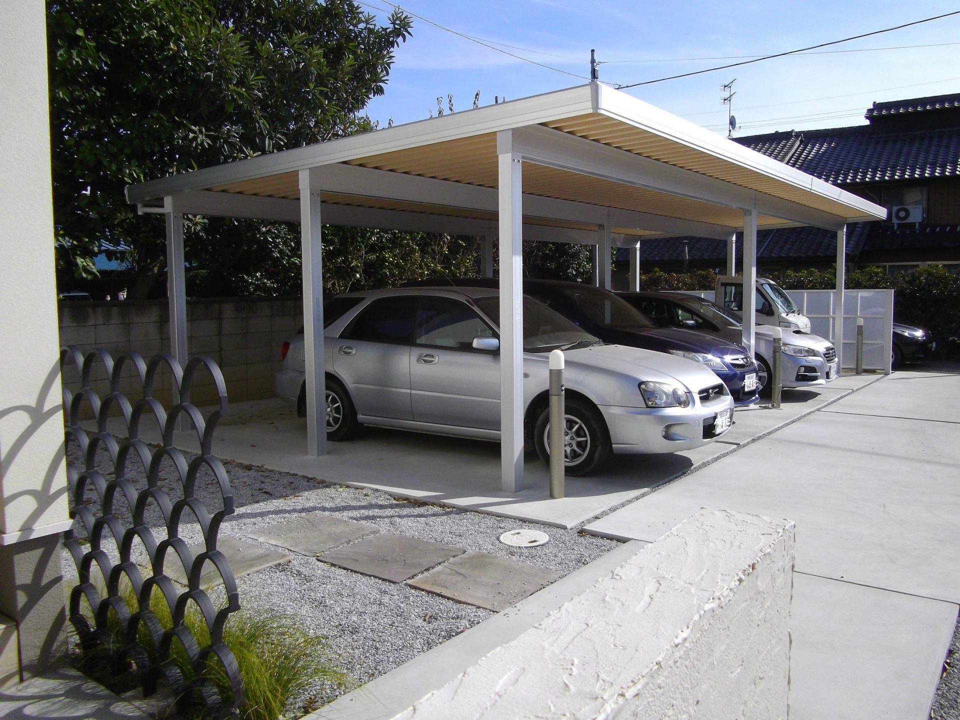 前橋市 エクステリア 外構 カーポート 駐車場 耐雪 積雪対応 フェンス 目隠し モダン シンプル